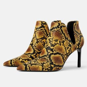 Zara high heel yellow animal print ankle boots